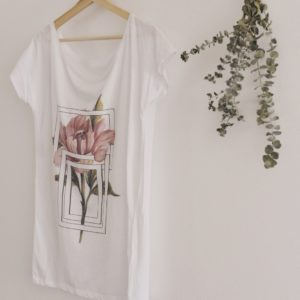 peony – soft tshirt